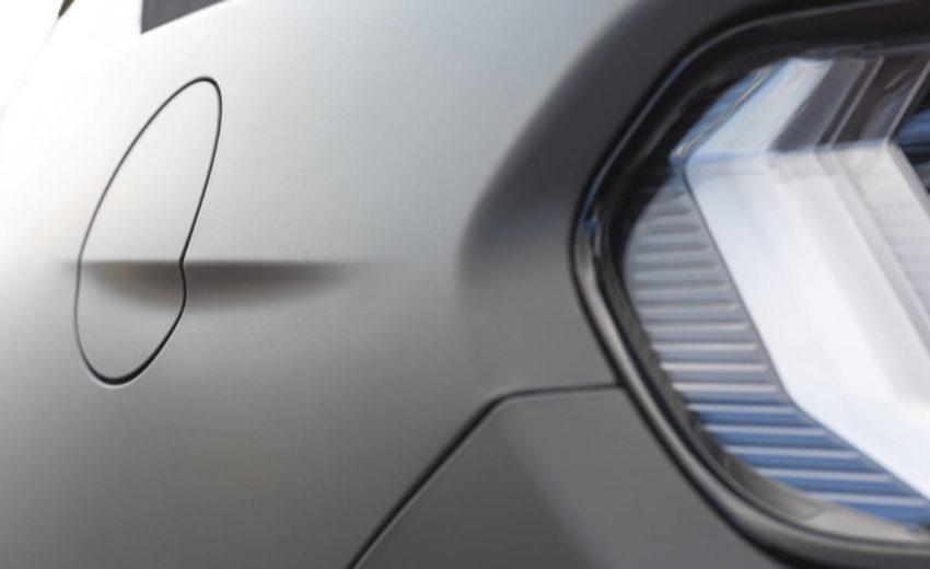 Mustang Vollfolierung Tankdeckel Detail