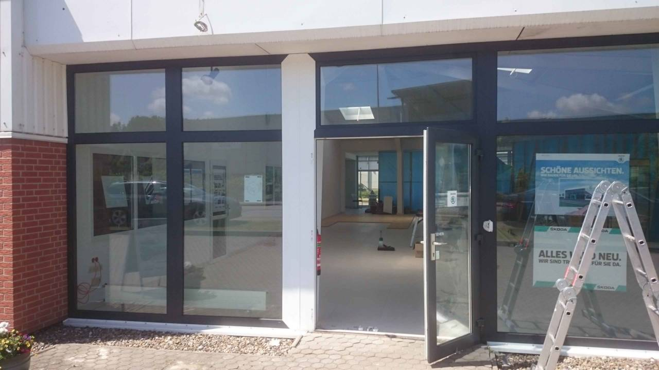 Spezialfolierung mb folienservice ihr experte f r folierungen in rostock - Fensterrahmen nachtraglich folieren ...
